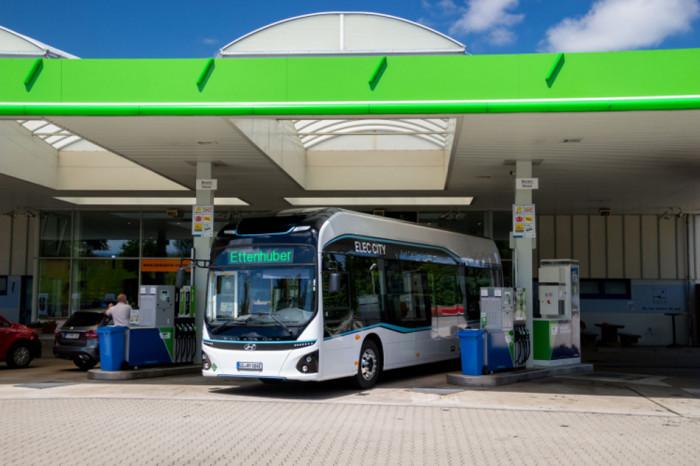 Hyundai Motor zahajuje v Mnichově zkušební provoz vodíkových autobusů Elec City Fuel Cell