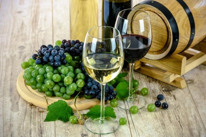 Oslavy 20. výročí Jihočeské hospodářské komory odstartuje Košt vín v Třeboni