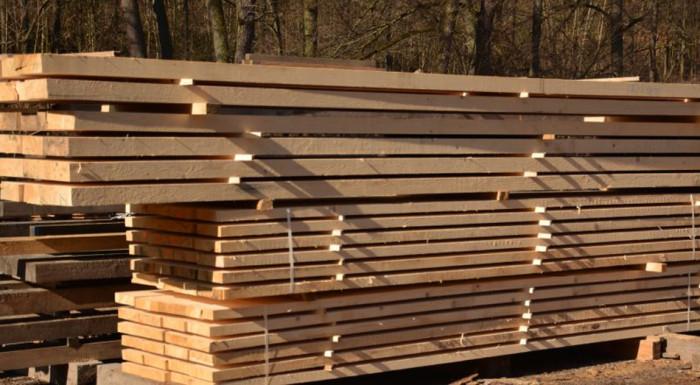 Město Karlovy Vary věnuje Moravě žádané dřevo na rekonstrukci střech