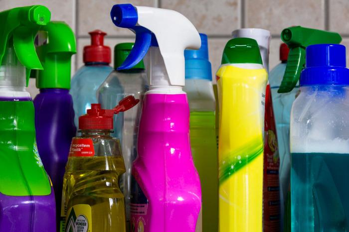 Naučte se používat výhradně kvalitní a nezávadné čisticí prostředky