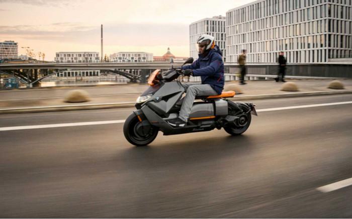 Nové BMW CE 04 - tichá revoluce: Nová kapitola městské mobility na dvou kolech s elektrickým pohonem