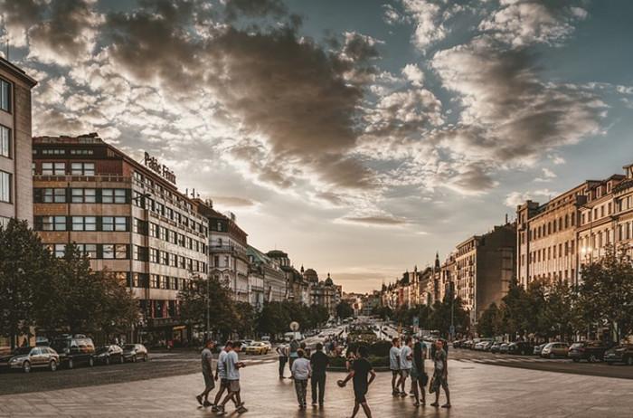 Chodcům nové přechody zjednoduší cestu na Václavák z Vinohrad a řidiče nijak nezdrží