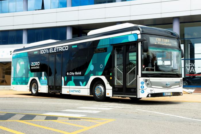 Toyota a CaetanoBus uvádějí bezemisní autobusy pod společnou značkou