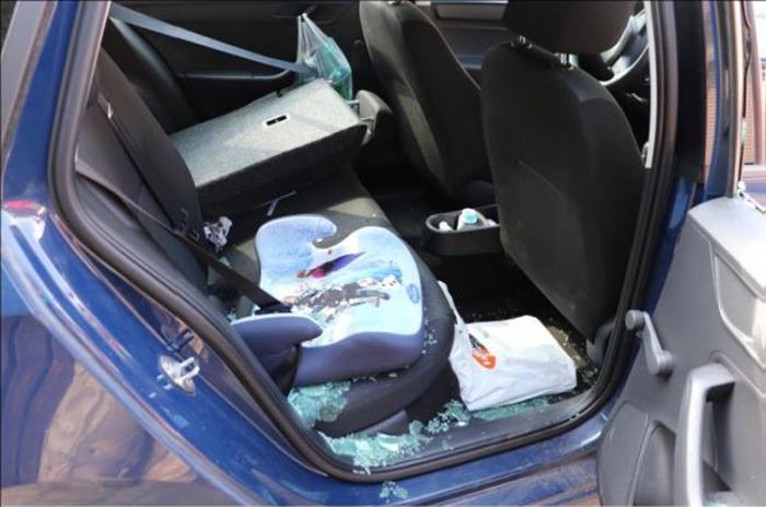 Recidivista se opakovaně vloupával do automobilů, hrozí mu až desetiletý pobyt za mřížemi