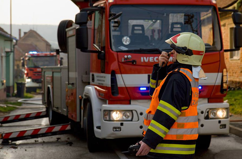 V Bořanovicích došlo k požáru rekreačního objektu, příčinou byla zřejmě závada na lednici