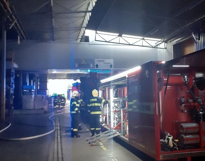 Milionové škody napáchal požár ve výrobní firmě na Mladoboleslavsku