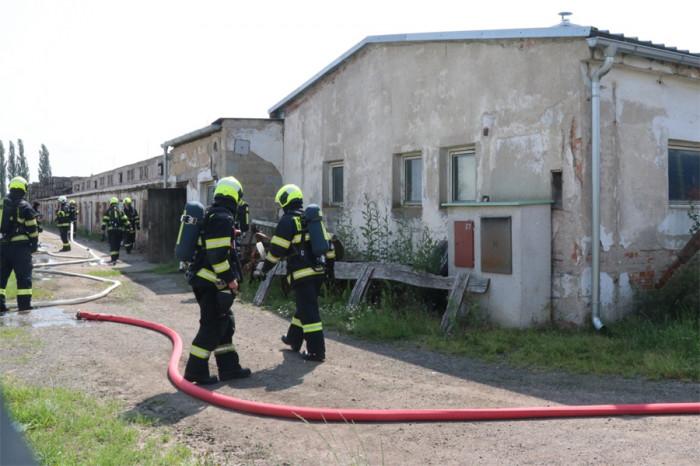 Závada na vysokotlaké myčce způsobila požár zemědělského objektu v královéhradecké části Piletice