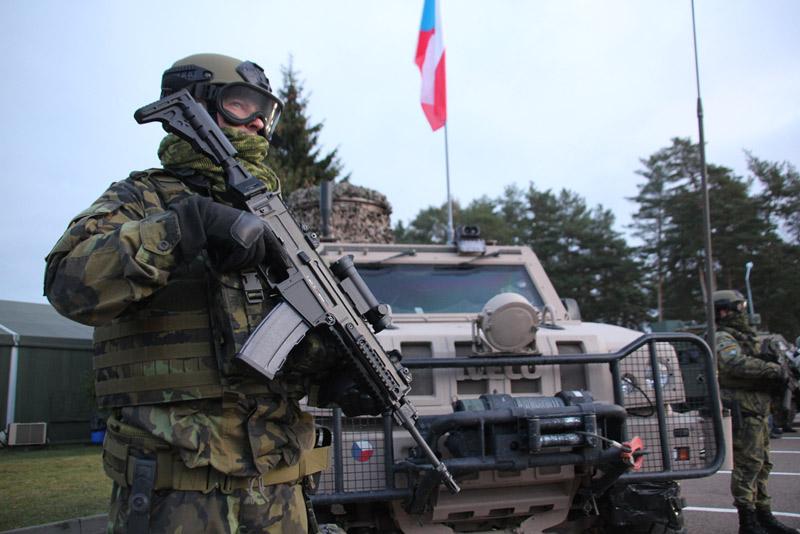 Čeští vojáci zamířili do Litvy
