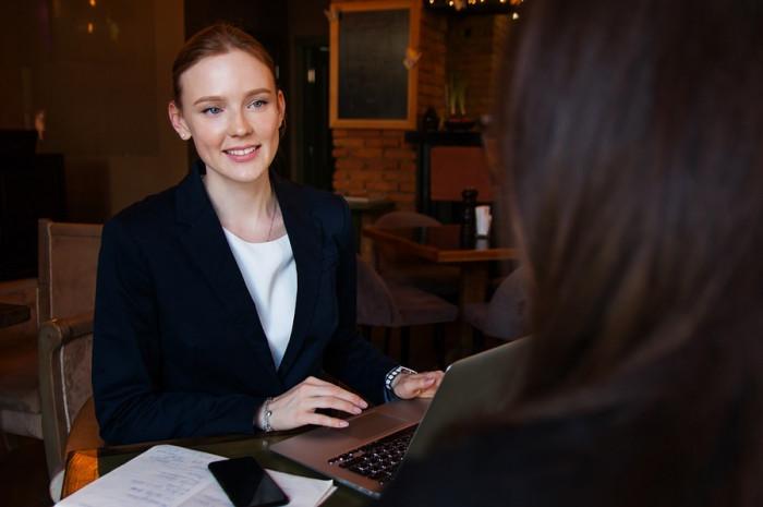 Jen pětina lidí do konce roku změní práci, výpovědi nečekají