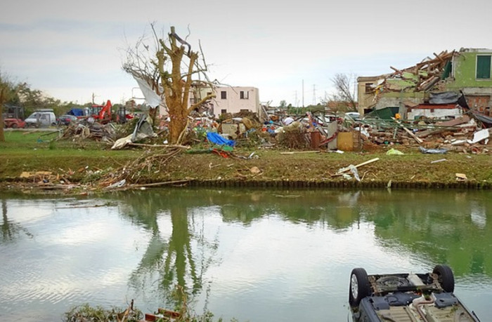 Na účtech Jihomoravského kraje se zatím sešlo více než 93 milionů korun na pomoc po tornádu