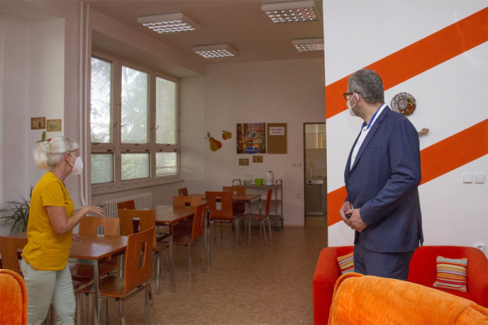 Olomoucký Pamatováček pomáhá lidem s Alzheimerem. Důraz klade na trénování paměti