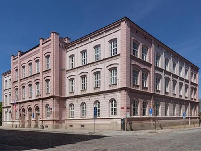 Plzeňská fakulta pedagogická nabízí doplňující pedagogické studium pro absolventy neučitelských oborů