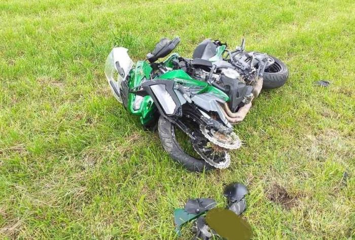 V Javorníku na Svitavsku havaroval motocyklista, pro spolujezdkyni letěl vrtulník