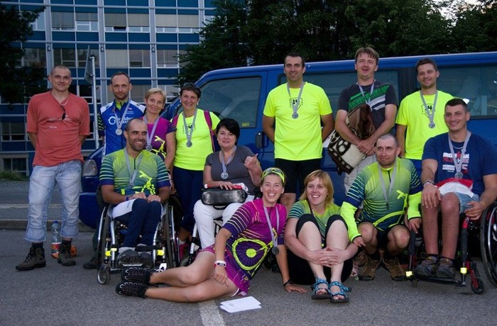 Handicapovan� jezdci z TJ L��ebna Ko�umberk absolvovali extr�mn� cyklistick� z�vod