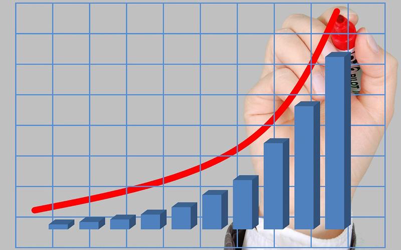 Ekonomika letos poroste o 3,2%. V roce 2022 o 4,2%