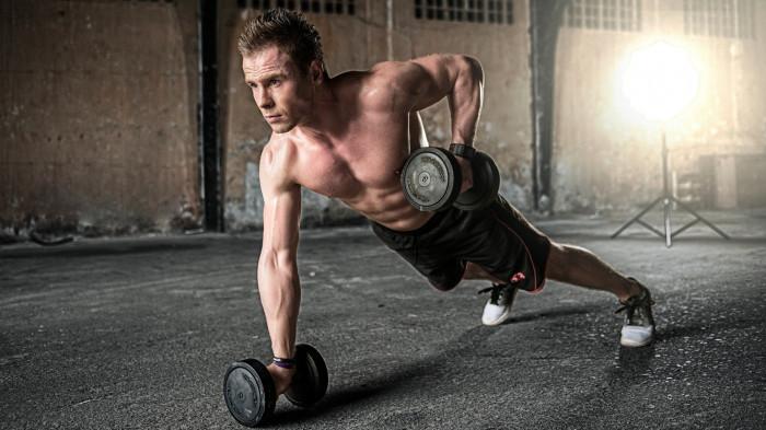 Jednoruční činky pro efektivní cvičení a celkové posílení těla