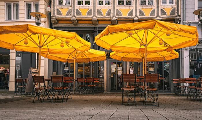 Hlavní město Praha vydalo manuál, jak mají vypadat restaurační zahrádky
