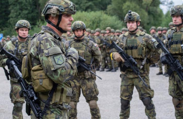Rapid Rifles: 14 dní, 500 vojáků, výcvik plánování i bojové operace