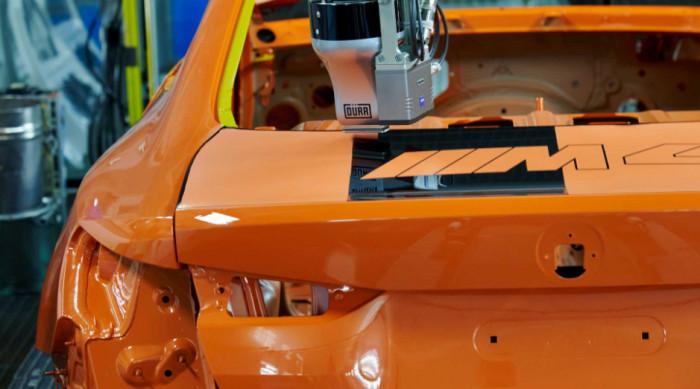 Malá série modelů BMW M4 dostává tvar pomocí nového procesu lakování