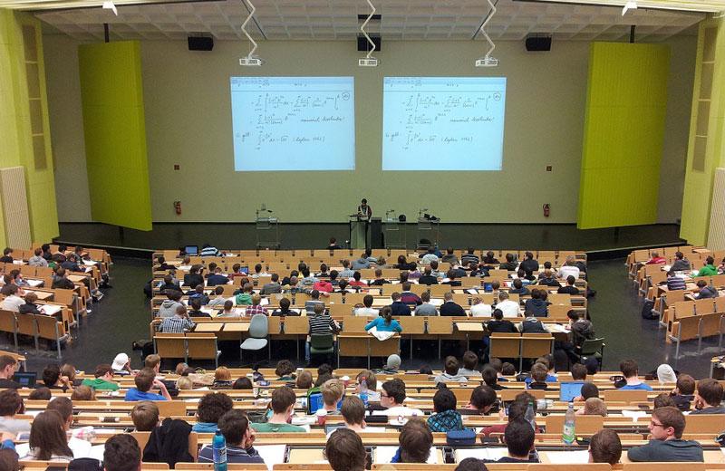 Na podporu vědy a školství  jsou připraveny dotace ve výši 90 miliard korun
