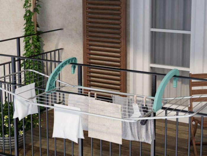 Dvouletý chlapec uvěznil svou maminku na balkoně