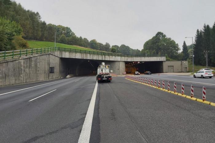Poslední den uzavírky tunelů Libouchec a Panenská na D8