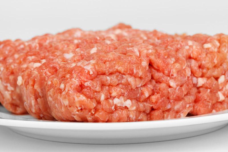 Veterináři nařídili řetězci Lidl stáhnout skoro 17,5 tuny vepřového masa z Polska