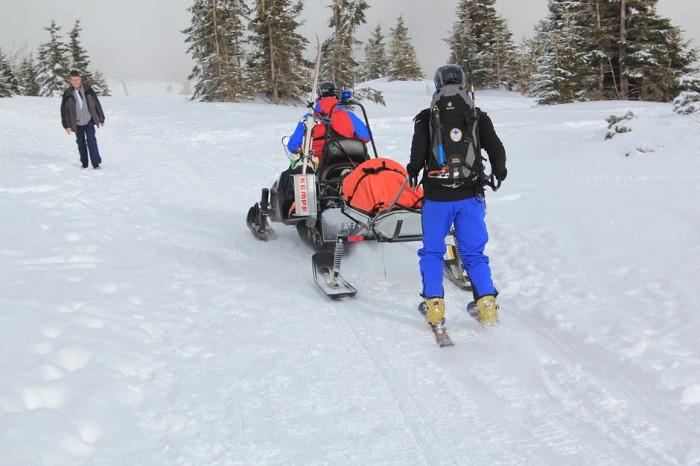 Karlovarský kraj přispěje horské službě na nákup vybavení a zdravotnického materiálu