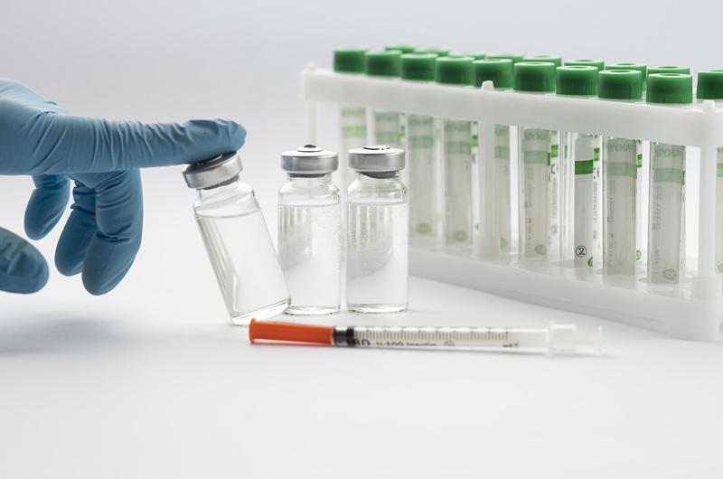 EMA obdržela žádost o registraci kasirivimabu a imdevimabu pro léčbu covid-19