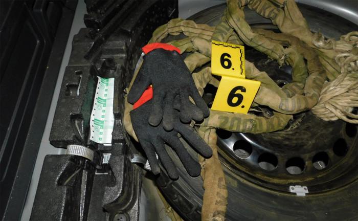Dva cizinci během týdne 3x vnikli do objektu v Trutnově, kde kradli hliníková kola a pneumatiky