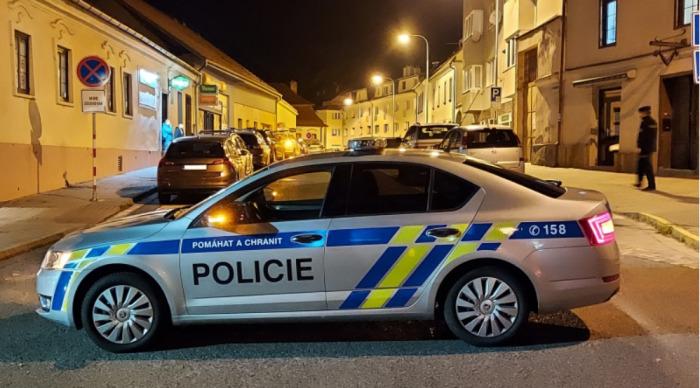 V Tišnově na Brněnsku napadl muž členy rodiny, kterým způsobil vážná bodnosečná zranění