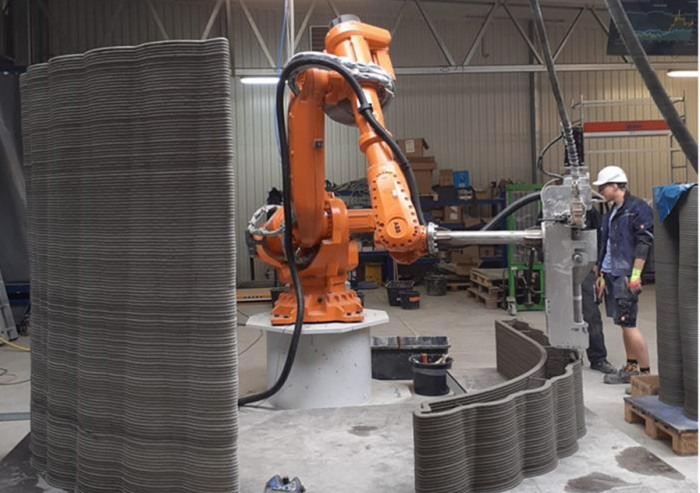 Ve Žďáru vzniká největší 3D tiskárna betonu v České republice