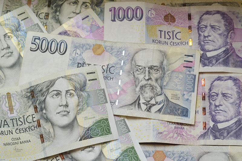 Muž od své známé vylákal 650 tisíc korun, ale i přes opakované sliby peníze nevrátil