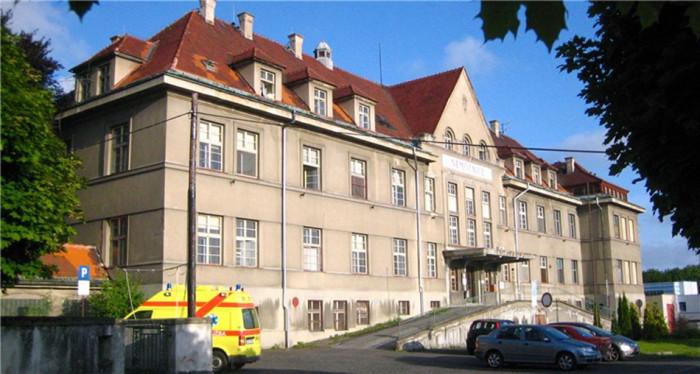 Nemocnice v Rumburku se dočká nového vybavení i dostavby