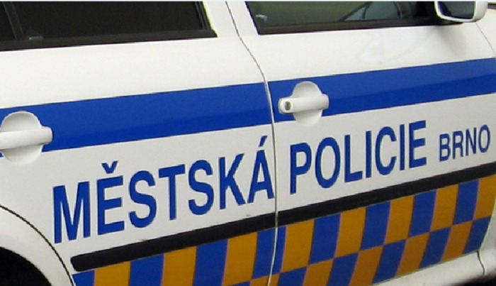 Host zdemoloval v centru Brna vybavení hotelového pokoje