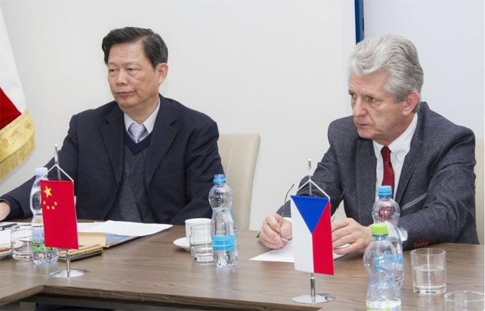 Olomoucký kraj navštívila delegace z partnerského regionu Fujian