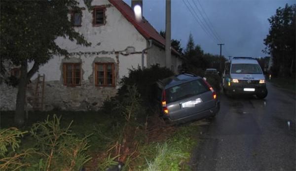 Při dopravní nehodě se řidička zranila