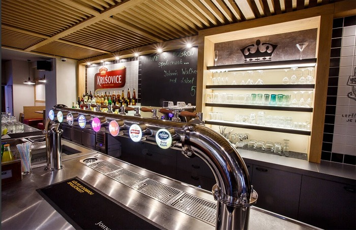 Krušovice otevírají Šalandu vMělníku, návštěvníci mohou vyzkoušet i pivní lázně