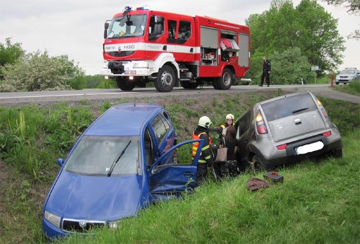 Při nehodě zraněni řidiči obou vozidel