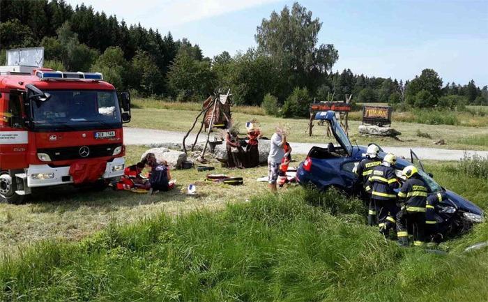 Šest zraněných u obce Čertovina