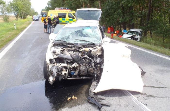 Dopravní nehoda u Nevřeně