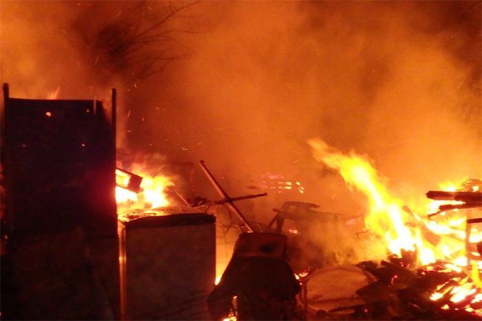Při požáru v Teplýšovicích uchránili hasiči milionové hodnoty