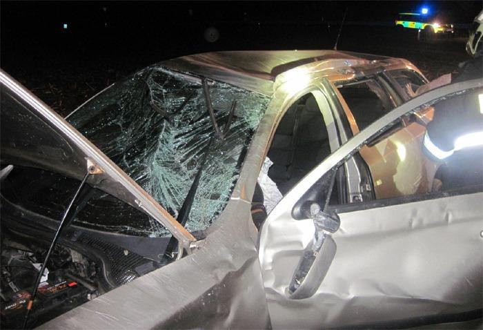 Zraněného řidiče hasiči vyprostili pomocí páteřové desky