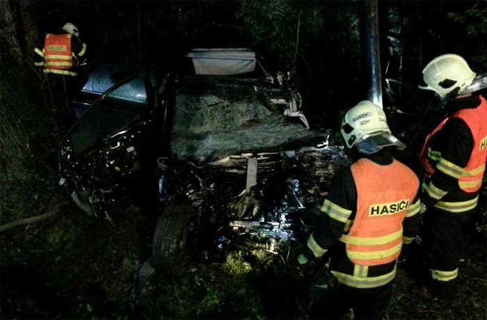 Střet osobního auta s nákladním skončil tragicky
