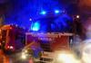 Požár domu v Jesenici likvidovalo ve třetím stupni sedmnáct jednotek
